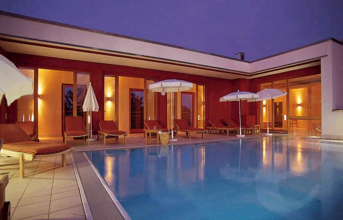 bad f ssing gutschein einl sen hotel mit thermalbad bad f ssing geschenkgutschein. Black Bedroom Furniture Sets. Home Design Ideas